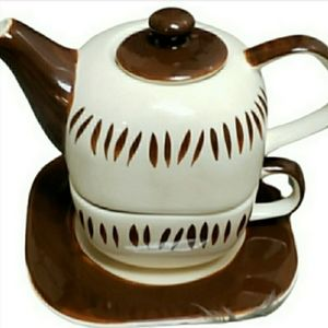 Canhome brown & white cup & saucer teapot set